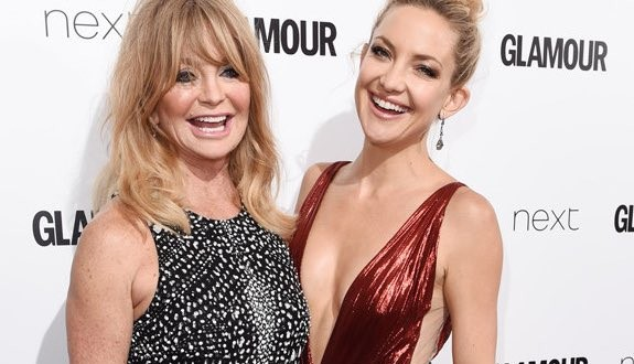 Kate Hudson, Goldie Hawn Stun At The Glamour Women Of The Year Awards! (Video)