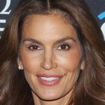 Cindy Crawford : Supermodel Covers Elle Canada, Opens Up About Leaked Unretouched Photo